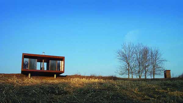 Caba a prefabricada minimalista y moderna for Casa minimalista 90m2