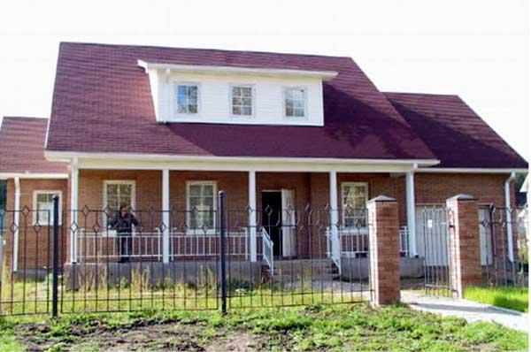 Plano de casa grande con estilo americano for Casas estilo americano interiores