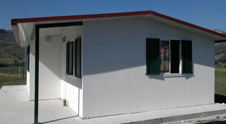 Plano de casa prefabricada de 50 m2 con 2 dormitorios for Diseno de apartamentos de 90 metros cuadrados
