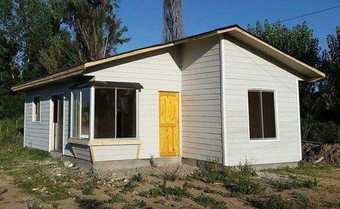 Fachada plano de casa prefabricada con 2 dormitorios 1 piso gratis